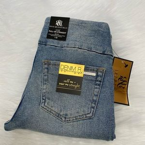 NEW wTag-ROCK & REPUBLIC PullOn Straight Jeans 4M